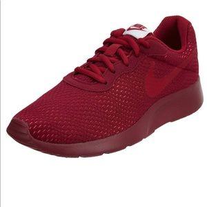 Nike Tanjun Premium Running Shoe Size 10